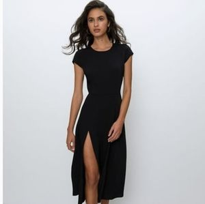 💚Aritzia Wilfred Sexy Black Cap sleeves Dress